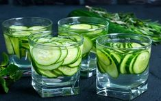 Benefits of cucumber water include skin care & weight loss. For cucumber water, clean & slice a cucumber. Fill a glass with cold water & add cucumbers. Read the recipe! Cucumber Infused Water, Cucumber Health Benefits, Cucumber Drink, Cucumber On Eyes, Cucumber Bites, Detox Organics, Coconut Oil For Acne, Sports Drink, Water Recipes