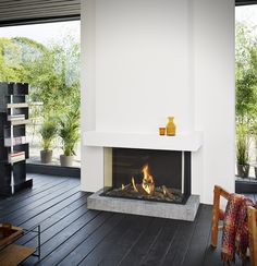 Fireplaces and fireplace mantels are fast becoming a core feature in homes across the world as they add a real feature point to any formal or indeed casual living area. Fireplace Tv Wall, Fireplace Stores, Small Fireplace, Modern Fireplace, Fireplace Surrounds, Fireplace Design, Foyers, Valor Fireplaces, Houses