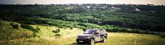 Range Rover Sport in drive.