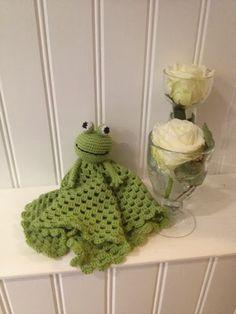 Crochet Baby, Knit Crochet, Handicraft, Dyi, Knitting, Creative, Frogs, Inspiration, Crochet Security Blanket