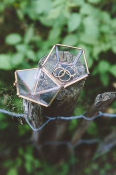 bohemian wedding in the woods - vintage geometric glass ringbox / photo by OAK&FIR / styling by inspire styling