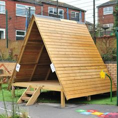 Forest Story House. Perfect for 3-11 years. Play area & teaching hub.