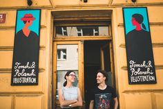 Dalším autorem zapojeným do výstavy #zijessrdcem je ilustrátorské duo Tomski&Polanski, které společně s důrazem na precizní řemeslo vytváří svůj vlastní pestrobarevný svět. Jejich ilustrace už možná znáte díky naší samovyšetřovací Kamasutře z kampaně Sahám si na ně každý měsíc – #prsakoule.
