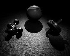 Die großen Vorteile des Medizinball oder aber Medball Trainings liegen vor allem in der enormen Vielfalt der Übungen und der Mobilität für Personal Trainer.