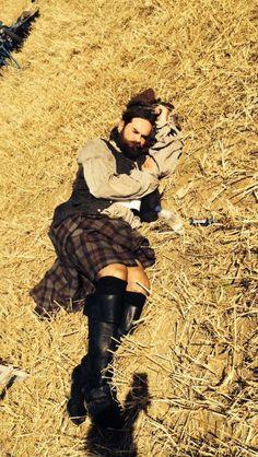 Duncan Lacroix behind the scenes of Outlander