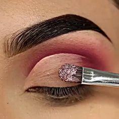 Smoke Eye Makeup, Day Eye Makeup, Natural Eye Makeup, No Eyeliner Makeup, Smokey Eye Makeup Video, Basic Eye Makeup, Sparkly Eye Makeup, Club Makeup, Burgundy Makeup