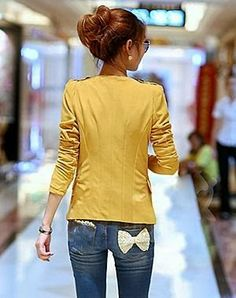 Cute bow on the back pocket