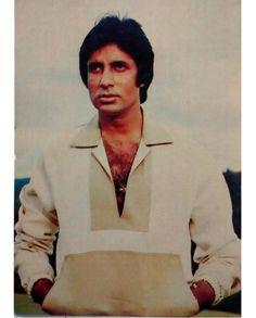 """3 Likes, 1 Comments - muvyz.com (@muvyz) on Instagram: """"#muvyz081617 #BollywoodFlashback #postcard #whichmuvyz #guessthemovie #AmitabhBachchan…"""""""