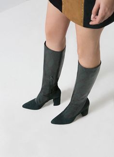 e7a67bc9 Calzado Exclusivo para Mujer - Uterqüe Invierno, Primavera, Calzas, Botas,  Mujer,