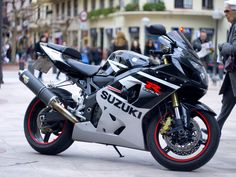 Beeeeest ! :D I want it ! Suzuki GSXR 600