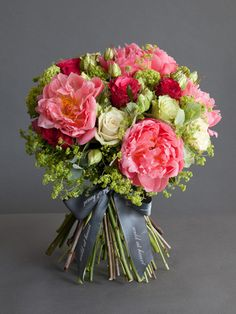 Happy spring! Do: trim stems, gather in same direction, trim ends, wrap below blooms in twine then favorite ribbon.  Enjoy!