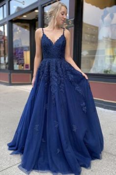Blue Lace Prom Dress, Navy Blue Prom Dresses, Cute Prom Dresses, Prom Outfits, Ball Dresses, Pretty Dresses, Dress Prom, Navy Blue Prom Dress Long, Homecoming Dresses