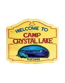 Fredag den 13 Welcome to camp Crystal Lake skilt