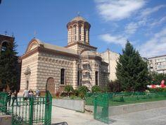Boekarest Notre Dame, Barcelona Cathedral, Mansions, House Styles, Building, Travel, Viajes, Villas, Buildings