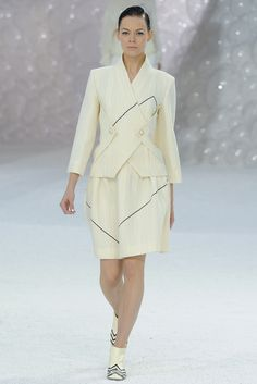 Chanel - Spring 2012 Ready-to-Wear - Look 14 of 85