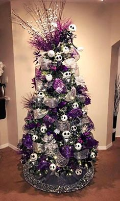 Nightmare Before Christmas tree (ALL Jack Skellington...but still🙃💀🙃) Halloween Trees, Alternative Outfits, Xmas Tree, Christmas Trees, Christmas Decorations, Holiday Decor, Ideas, Home Decor, Gothic