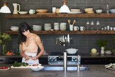 EyeSwoon founder (and consummate host) Athena Calderone shares three easy fall and winter vegetable dishes, all which pair well with a classic holiday meal. Best Design Blogs, Light Appetizers, Food Network Star, Thanksgiving Sides, Home Chef, Chickens Backyard, Food 52, Architectural Digest, Elle Decor