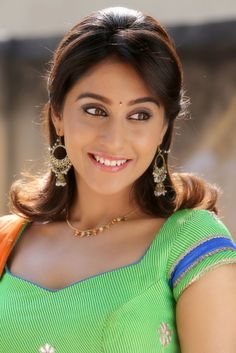 Actress Regina Cassandra