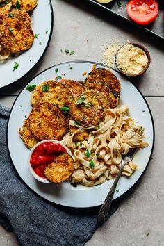 AMAZING Vegan Gluten Free CRISPY Eggplant Parmesan! 10 ing, 30 minutes, SO tasty! #vegan #plantbased #healthy #italian #eggplant #recipe #glutenfree #dinner #minimalistbaker