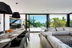 Timeless Luxury Home Gathering Riverside Panoramas - http://freshome.com/2014/05/21/timeless-luxury-australian-home-gathering-riverside-views/