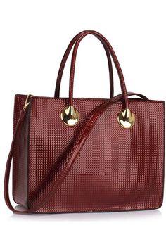 Reinventeaza-ti tinuta adaugand o geanta de dimensiuni potrivite, incapatoare, cu un design deosebit. Se inchide cu fermoar si are curea detasabila. Bags, Design, Fashion, Purses, Moda, Fashion Styles, Taschen, Totes