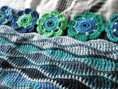 A blog about crochet, colour with lots of free patterns Crochet Cord, Crochet Quilt, Crochet Books, Love Crochet, Crochet For Kids, Crochet Shawl, Crochet Stitches, Crochet Wraps, Crochet Blankets