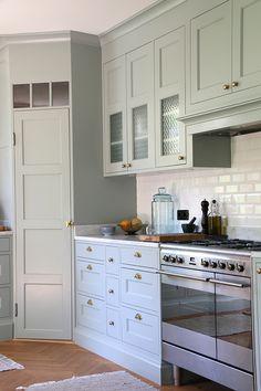 g007 Kitchen Corner, Kitchen Cabinet Design, Kitchen Cabinets, Kitchen Decor, Kitchen Corner Cupboard, Kitchen Floor Plans, Kitchen Redo, Home Kitchens, Kitchen Layout