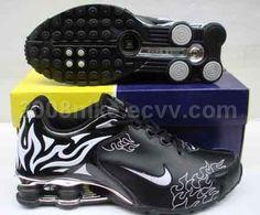 best service d8370 424ea Nike Shocks, Nike Shox For Women, Black Sports Shoes, Sock Shoes, Cute
