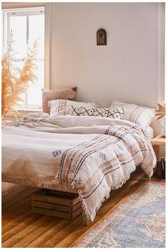 Louis Xvi, African Bedroom, Bronze Art, Duvet Covers Urban Outfitters, Boho Duvet Cover, Bohemian Bedding, Boho Comforters, Boho Room, Outfits
