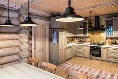 Двухэтажный дом из бревна ручной рубки | Деревянные дома ручной рубки | Журнал «Деревянные дома»