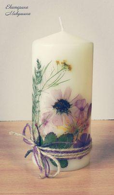 Декупаж свечей засушенными цветвми и травами
