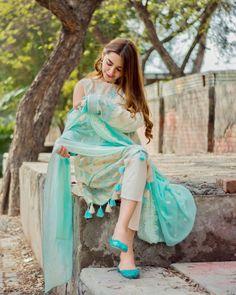 Fancy Dress Design, Stylish Dress Designs, Designs For Dresses, Stylish Dresses, Casual Dresses, Women's Casual, Fashion Dresses, Girls Dresses, Pakistani Fashion Casual