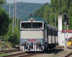 https://flic.kr/p/HG3eGk | 753001 C Kamenice | 753001 arriving at Ceska Kamenice, 18th June 2016, 08.15 Decin - Rumburk. In association with some sort of celebration, the Rumburk - Decins were 753 hauled.