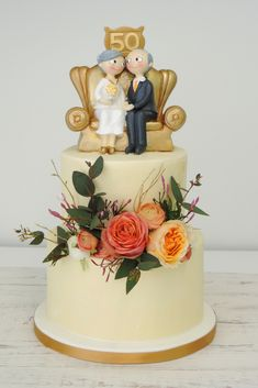 5 traditions about wedding cake Golden Anniversary Cake, 50th Anniversary Cakes, 50th Wedding Anniversary Decorations, Golden Wedding Anniversary, Aniversary Cakes, Rodjendanske Torte, Savoury Cake, Cake Designs, Cake Decorating