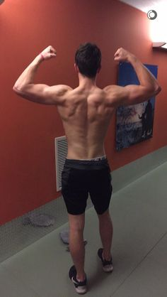 His back muscles give me life  (Shawn Mendes)