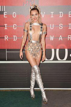 Miley Cyrus in Atelier Versace at the 2015 VMAs