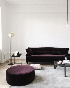 / day 2 working with great @eklundstockholmnewyork apartment / sofa to die for is from @ameliawidell @melimelihome.se