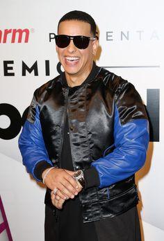 "Photo of 22 Daddy Yankee Photos You'll Want to Look at ""Despacito"" Romeo Santos, Avicii, Selena Quintanilla, Jenni Rivera, Yankees Pictures, Shaytards, Zapatillas Jordan Retro, Divas, Te Amo"