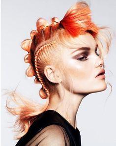 Peinado extravagante