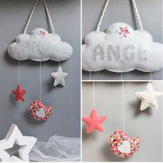 Mobile décoration nuage avec message et étoiles - oiseau en feutrine et tissu assortis
