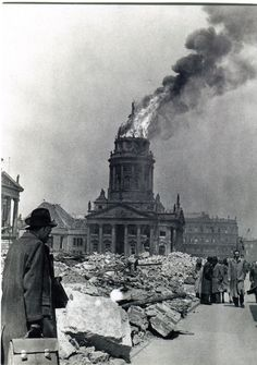 bombed out berlin Berlin 1945, Berlin Germany, Berlin Mitte, Old Pictures, Old Photos, Gendarmenmarkt Berlin, French Cathedrals, Louis Aragon, Berlin Photos