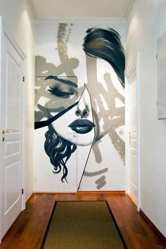 """Er zijn verschillende manieren om de muren in je woning """"aan te kleden"""". Zo kan je ze behangen met kunstwerken, fotolijsten of andere accessoires.Wellicht geef je z"""