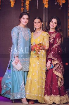 Showbiz Celebrities Attend Iqra Aziz And Yasir Hussain Mehndi Function Pakistani Party Wear Dresses, Beautiful Pakistani Dresses, Shadi Dresses, Designer Party Wear Dresses, Pakistani Dress Design, Indian Designer Outfits, Pakistani Outfits, Pakistani Mehndi Dress, Pakistani Clothing