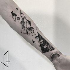 8 Inspiring Dotwork Galaxy Tattoos Dotwork Galaxy Tattoo by Gioele Cassarino dotworkgalaxy dotworkgalaxytattoo…. Forearm Tattoos, Body Art Tattoos, Space Tattoos, Geometric Universe Tattoo, Arm Tattoo Universe, Galaxia Tattoo, Mass Effect Tattoo, Space Tattoo Sleeve, Tattoo Fixes