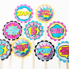 Coordinate your superhero party theme right down to the cupcakes! You will receive an assortment of personalized superhero themed cupcake toppers mounted on food safe wood picks. Try them in a platter 10th Birthday Parties, Birthday Party Themes, 5th Birthday, Birthday Ideas, Pop Art Party, Superhero Theme Party, Bubble Party, Barbie Birthday, Batgirl