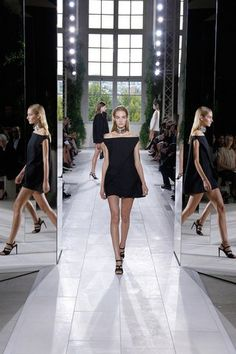 Balenciaga Spring 2014 — Runway Photo Gallery — Vogue - Vogue