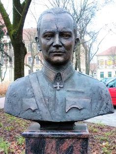 Aladár Paasonen szobor (Nagykőrös) http://www.turabazis.hu/latnivalok_ismerteto_5275 #latnivalo #nagykoros #turabazis #hungary #magyarorszag #travel #tura #turista #kirandulas