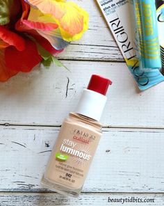 COVERGIRL Outlast Stay Luminous Natural Glow Foundation