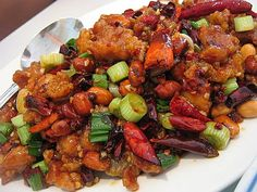 Kung Pao Chicken - This was really good! It didn't taste exactly like Kung Pao Chicken but it was still delicious! Very spicy for those of you who like a kick. Pollo Kung Pao, Kung Pao Chicken, Popular Chinese Dishes, Chinese Food, Brunch, Good Food, Yummy Food, Asian Recipes, Chinese Recipes