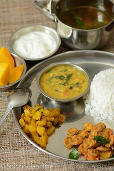 Business Cookware Ought To Be Sturdy And Sensible Lunch Dinner Menu 4 South Indian Vegetarian Menu Indian Dinner Menu, Indian Meal, Vegetarian Recipes Dinner, Dinner Recipes, Veg Thali, Desi Food, South Indian Food, Lunch Menu, India Food